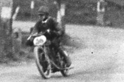 Bild aus der Ausstellung 100 Jahre Rusel-Bergrennen im Stadtmuseum Deggendorf