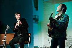 Zwei Musiker aus dem Konzert