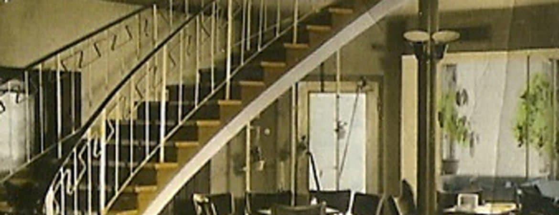"""Bild aus einem historischem Lokal in Deggendorf aus der Ausstellung """"Deggendorfer Nachtleben"""" im Stadtmuseum Deggendorf"""