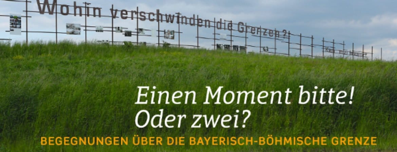 """Buchcover """"Einen Moment Bitte! Oder zwei?"""" im Stadtmuseum Deggendorf"""