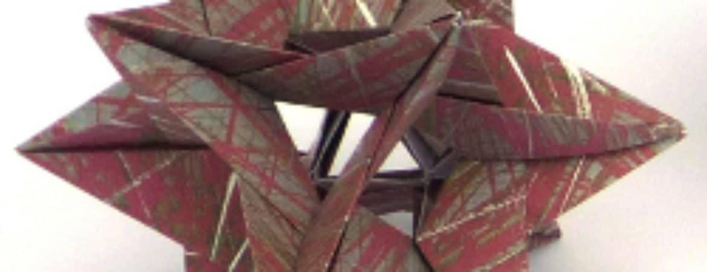 Festlicher Papierstern aus dem Workshop im Stadtmuseum Deggendorf