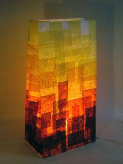 Kunstvolle und beleuchtete Papiertüte aus