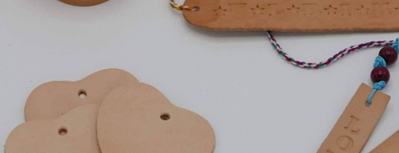Utensilien aus dem Workshop am Kindertag im Museum im Stadtmuseum Deggendorf