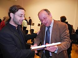 Jörg Bachinger bei der Künstlerführung der Ausstellung
