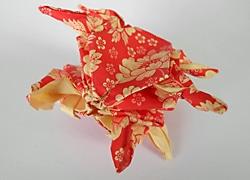 Origami-Krebs aus dem Workshop im Stadtmuseum Deggendorf
